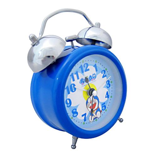 花漾心情打铃闹钟,天蓝色圆形立体钟身,钟面中央印著一朵花,六点钟图片