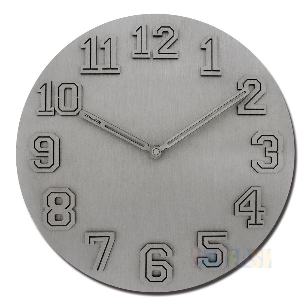 12吋 居家摆饰 轻薄简约 球衣数字 金属拉丝 餐厅客厅卧室 静音 圆挂钟 - 银色