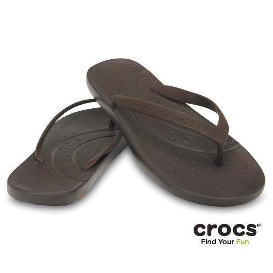 【Crocs】中性-男女-彩威夷人字拖 (深咖色)