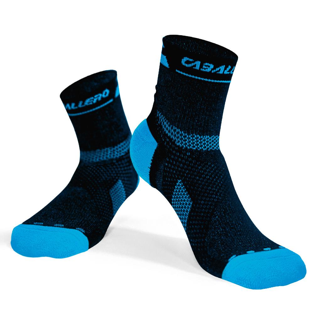 【CABALLERO】專業跑步運動襪 黑/天空藍 S/M