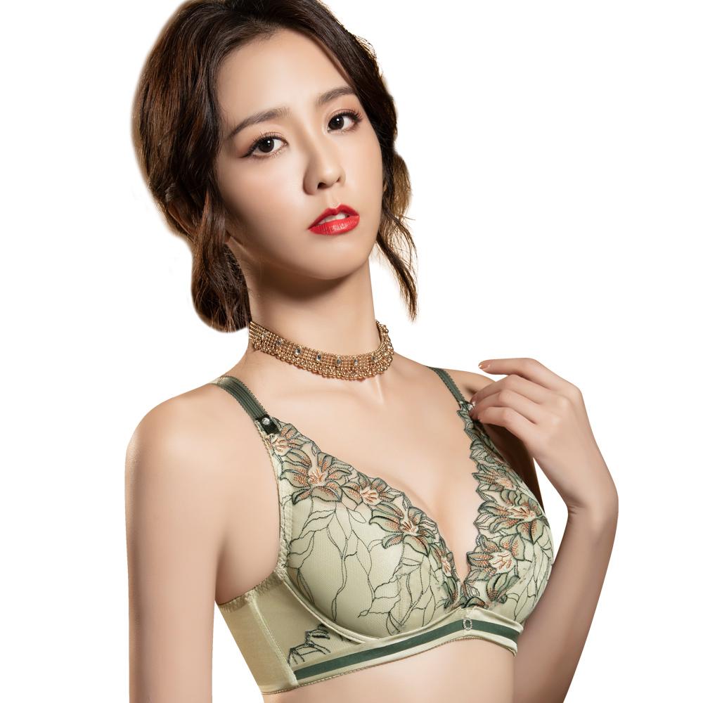 【思薇爾】花影饗宴系列B-E罩蕾絲刺繡包覆內衣(優雅綠)