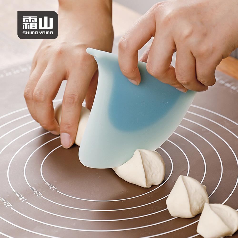 【日本霜山】鯊魚鰭造型料理烘焙矽膠刮板 (可吊掛收納/IF設計大獎)