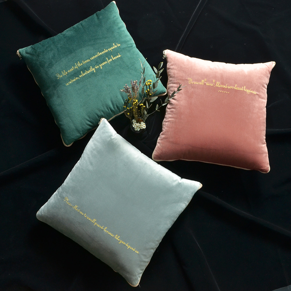 【收納職人】北歐ins燙金輕奢絨抱枕被/兩用抱枕/多功能抱枕毯子(3色任選)