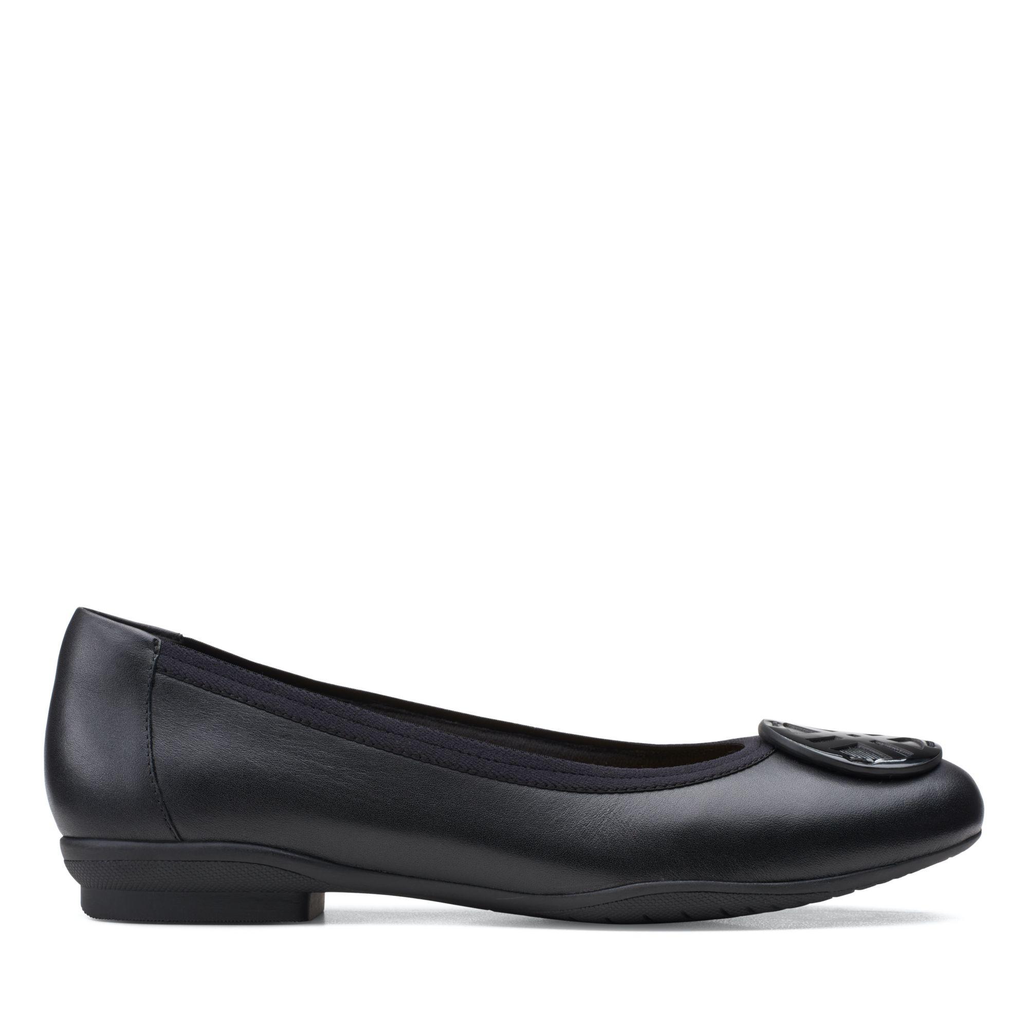 Clarks摩登經典-Sara Willow經典款芭蕾平底鞋(黑)
