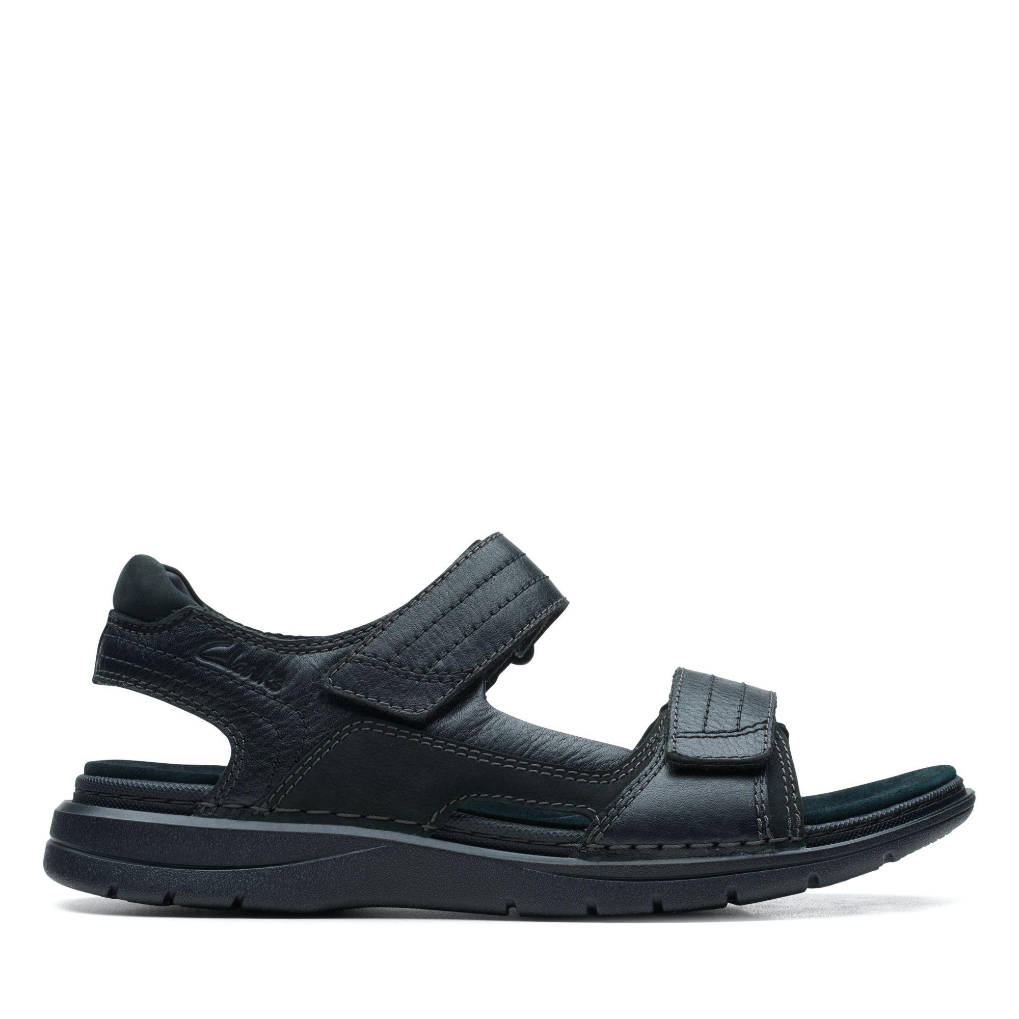 Clarks-UN自然家族-Nature Trek異材質拼接摩鬼氈設計涼鞋(黑色)