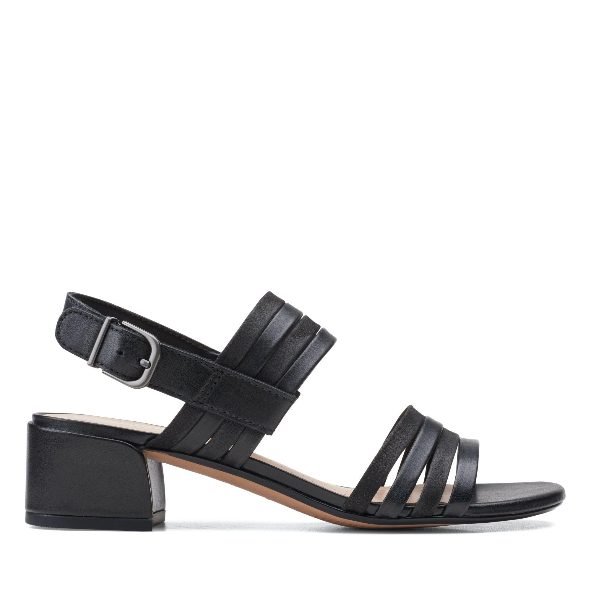 Clarks仲夏之夢-Caroleigh Bess 雙色細帶方跟涼鞋(黑色拼色)
