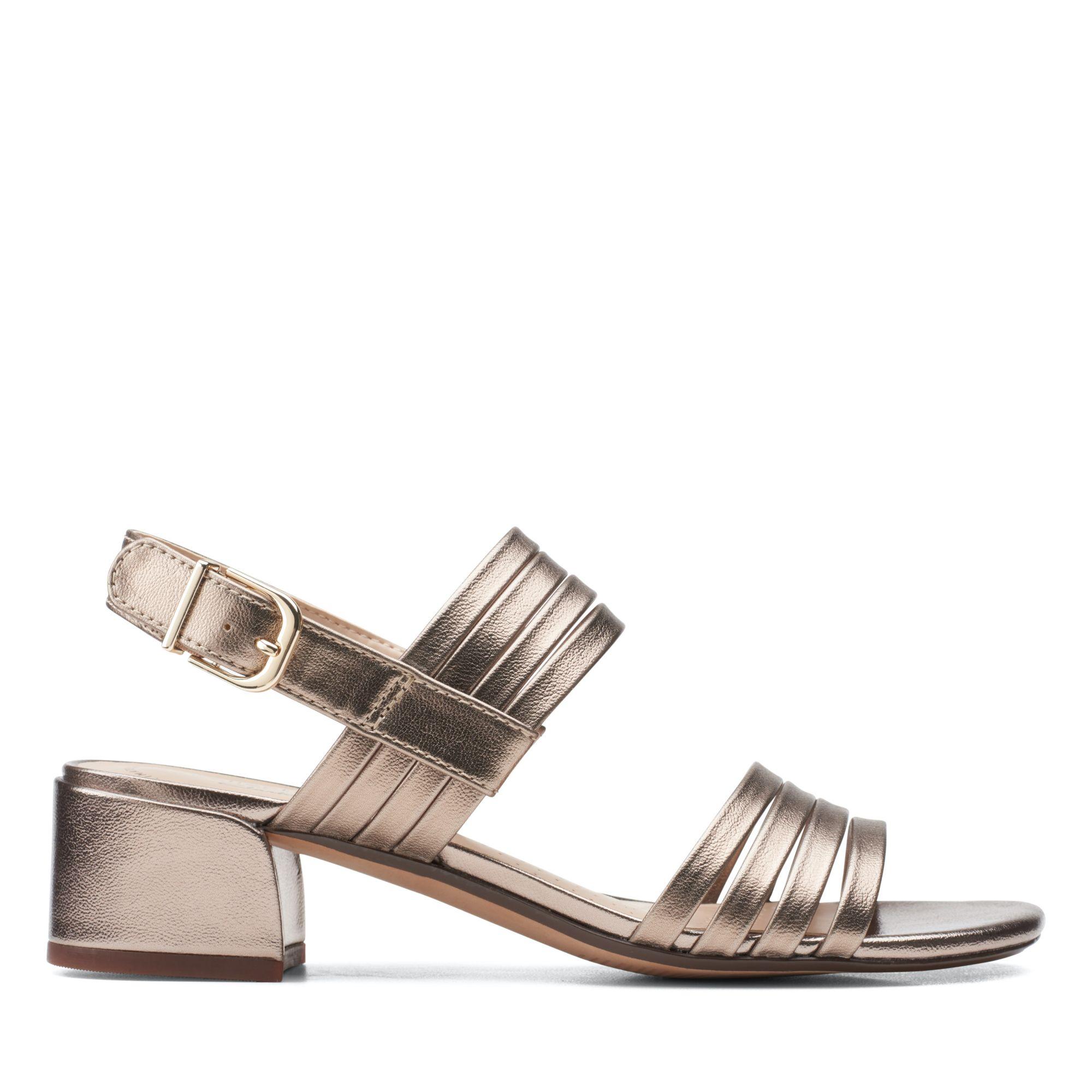 Clarks仲夏之夢-Caroleigh Bess 雙色細帶方跟涼鞋(金屬色)